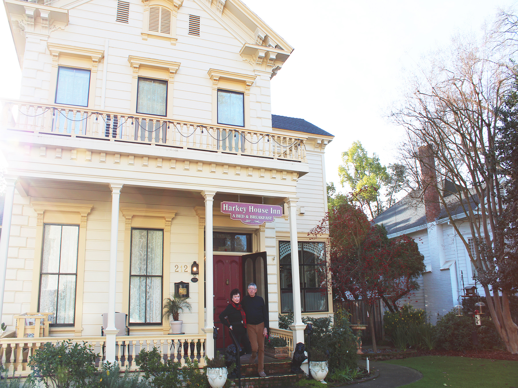 What exactly is a bed and breakfast? More importantly, is it the right fit for your travel plans? Yuba Sutter is home to two of the most historic and unique B&B experiences in all of Northern California.  Let's dive right in to the sweet and simple pro
